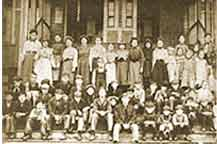 Des Moines School Student Body About 1915